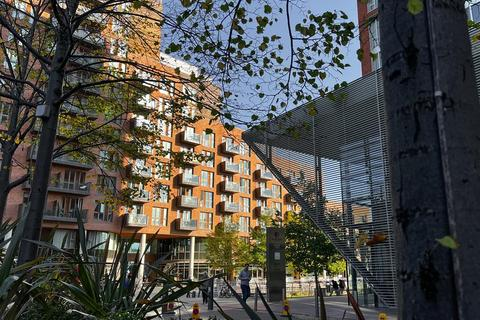 1 bedroom flat for sale - Watermans Place, 3 Wharf Approach, Leeds, LS1 4GN