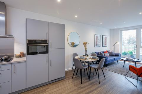 1 bedroom flat for sale - Apartment 41, Southsea Heights at Acton Gardens,  Corbet Gardens London  W3 8TF W3
