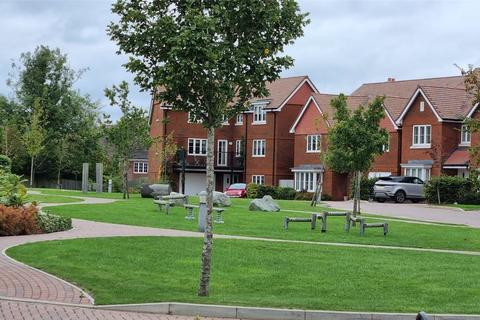 4 bedroom semi-detached house for sale - Dukes Drive, Tunbridge Wells, Kent, TN2
