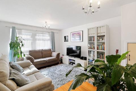 2 bedroom maisonette for sale - Pert Close, London, N10