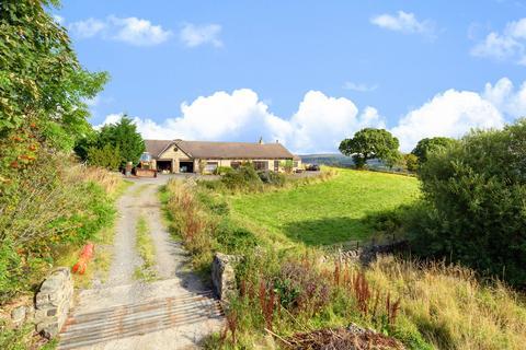 5 bedroom detached house for sale - Moor Road, Burley Woodhead