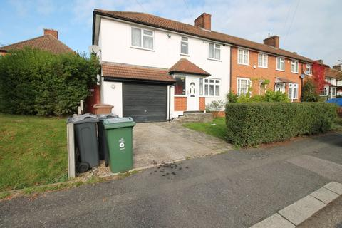4 bedroom terraced house to rent - Manor Farm Drive