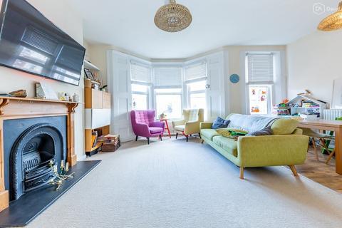 3 bedroom flat for sale - Stapleton Hall Road, Stroud Green N4