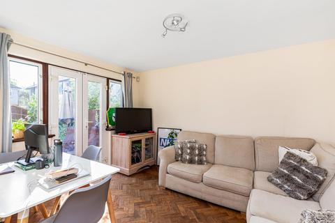 4 bedroom end of terrace house to rent - Dacres Road, London SE23