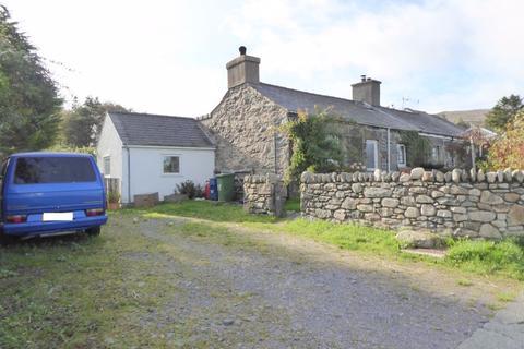 3 bedroom semi-detached house for sale - Mynydd Llandegai