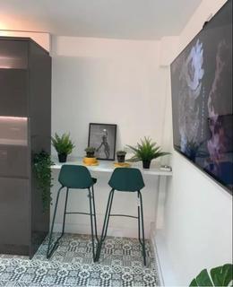 3 bedroom flat to rent - Austen Close, london, SE28 8AZ