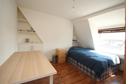 1 bedroom flat to rent - Seven Sisters Road, Finsbury Park, London, N4 2HY