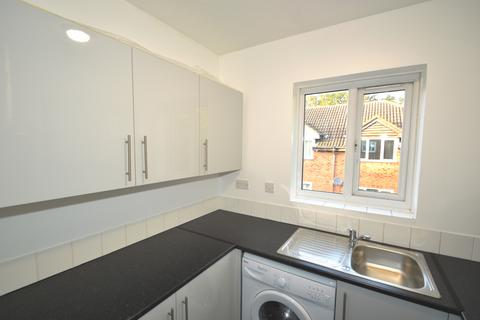 1 bedroom flat to rent - Chadwick Way,  Thamesmead, SE28