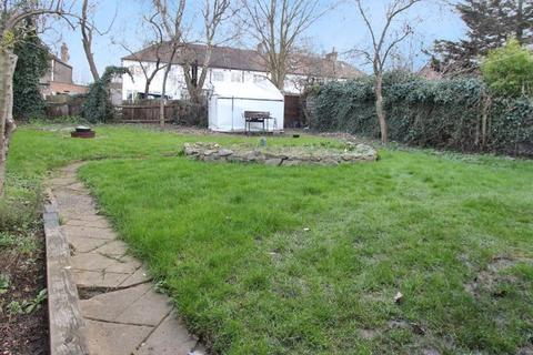 4 bedroom house to rent - Devonia Gardens, Palmers Green N18