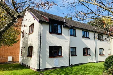 2 bedroom apartment to rent - Wyelands Close, Hereford