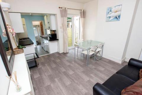 4 bedroom semi-detached house to rent - 452 Harborne Park Road, Harborne, Birmingham