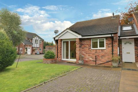 2 bedroom semi-detached bungalow for sale - St Andrews Gardens, Alsager