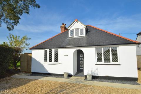 3 bedroom detached bungalow for sale - Brighstone
