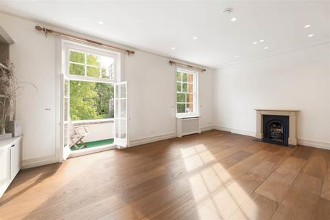 3 bedroom apartment to rent - Evelyn Gardens SW7