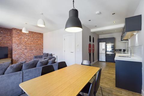 5 bedroom apartment to rent - (£120pppw) St. James Street, City Centre, NE1