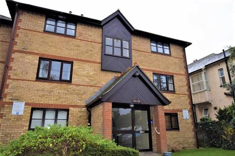 1 bedroom flat to rent - College Close, Grays