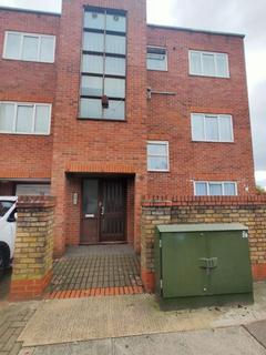 3 bedroom flat to rent - Barnet