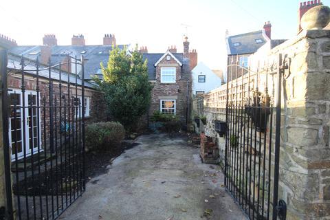 3 bedroom semi-detached house for sale - Stephenson Street, Tynemouth, Tyne & Wear, NE30 4EF