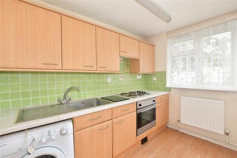 1 bedroom flat for sale - Haldon Close, Chigwell, Essex