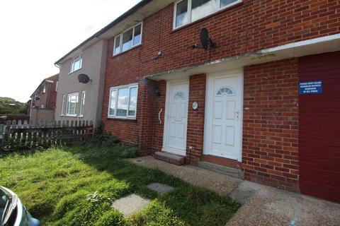 Studio to rent - Brockham Crescent, New Addington, CR0
