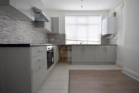 2 bedroom duplex to rent - Heathway, Dagenham, RM10