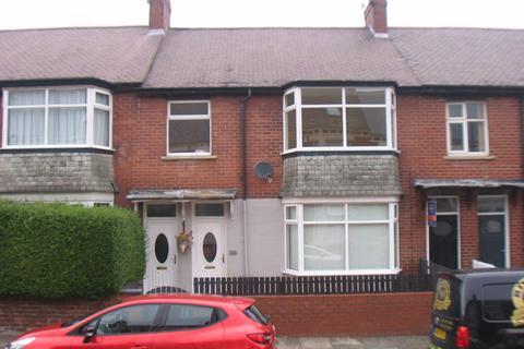 3 bedroom flat for sale - 153 Biddlestone Road, Heaton NE6 5SP