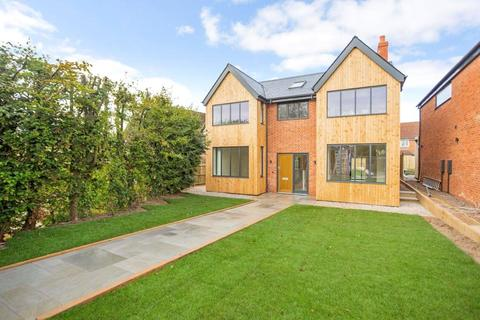 4 bedroom detached house for sale - Russett House, Oakley, Basingstoke, RG23