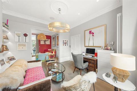 4 bedroom end of terrace house for sale - Fernside Road, SW12