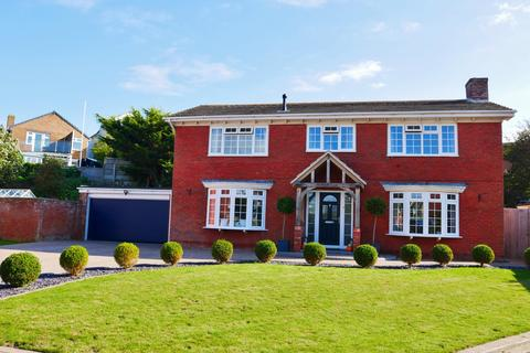 4 bedroom detached house for sale - LAKESIDE, LEE ON THE SOLENT - GUIDE PRICE £700,000 - £725,000