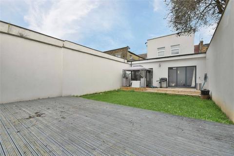3 bedroom flat for sale - Chaplin Road, Willesden Green, NW2