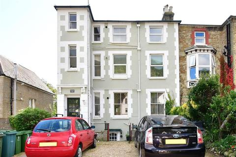 2 bedroom apartment for sale - Grove Road, Ventnor, Isle of Wight