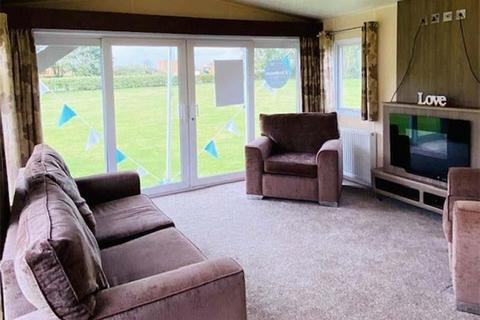 2 bedroom static caravan for sale - Tattershall Lakes Country Park, Lincolnshire