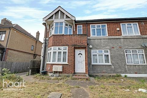 2 bedroom maisonette for sale - Craven Gardens, Barkingside