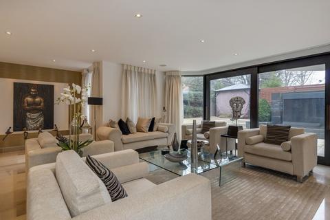 4 bedroom flat for sale - AVENUE ROAD, ST JOHN'S WOOD, NW8