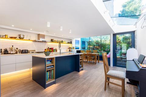 3 bedroom semi-detached house for sale - Bellenden Road, London SE15