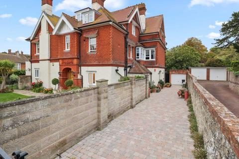 3 bedroom flat for sale - Buxton Road, Eastbourne