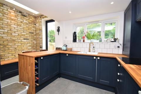 3 bedroom terraced house to rent - Glendale Road Erith DA8