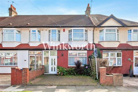 3 bedroom terraced house for sale - Princes Avenue, London, N13