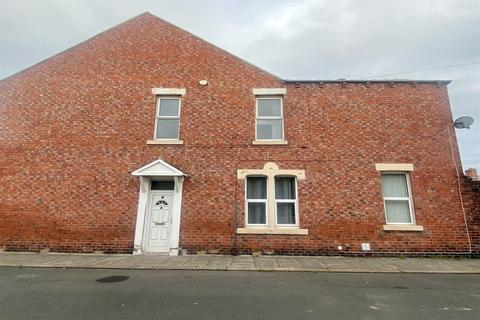 4 bedroom end of terrace house for sale - Ethel Terrace, South Shields