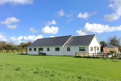 4 bedroom property with land for sale - Chapel Lane, Llanteg, Narberth, Pembrokeshire.