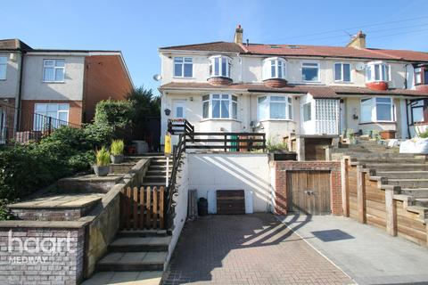4 bedroom end of terrace house for sale - Jersey Road, Kent