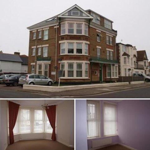 2 bedroom ground floor flat to rent - Flat 1 Surrey Court, Harold Road