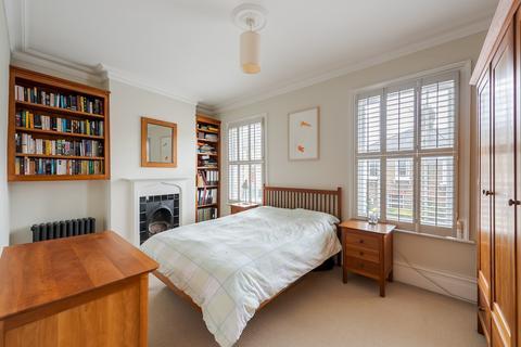 3 bedroom end of terrace house for sale - Eland Road, Battersea, SW11