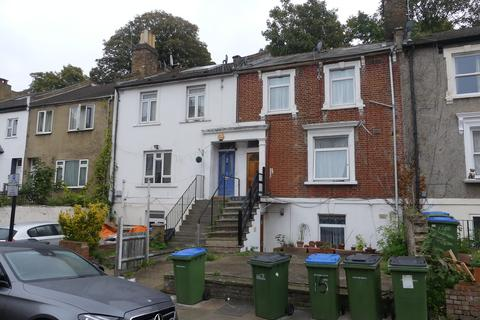 Studio to rent - Brookhill Road, London