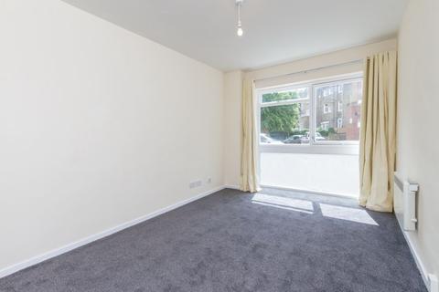 Studio to rent - Crozier House, 17 Wilkinson Road, London