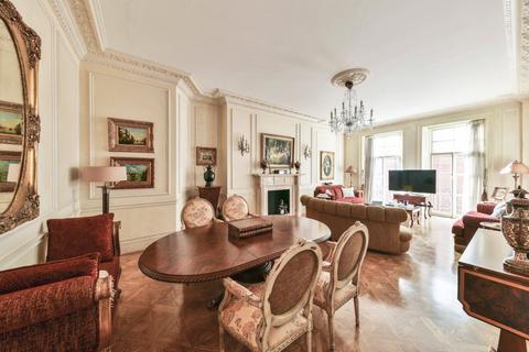 4 bedroom apartment for sale - Kensington Gore, London, SW7