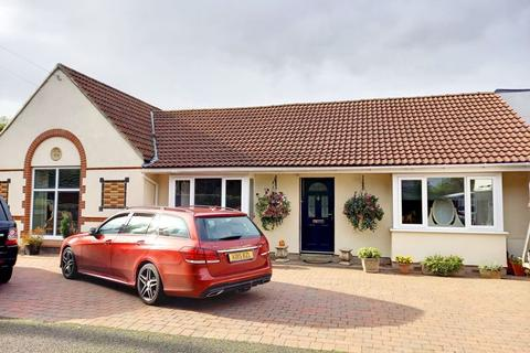 4 bedroom bungalow for sale - King George Road, Fawdon