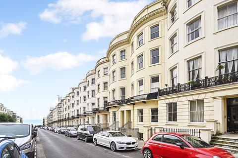 2 bedroom flat for sale - Brunswick Place, Hove, BN3