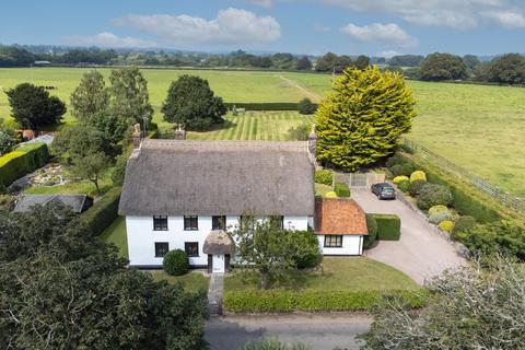 4 bedroom detached house for sale - Bickton, Fordingbridge, SP6