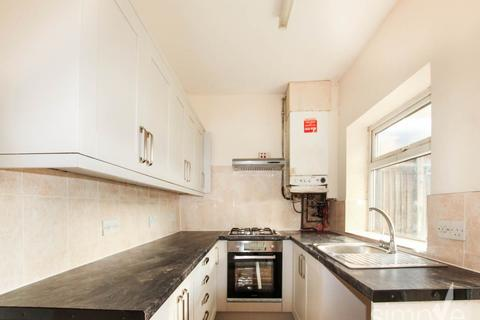 2 bedroom house to rent - Fredora Avenue, Hayes, Middlesex